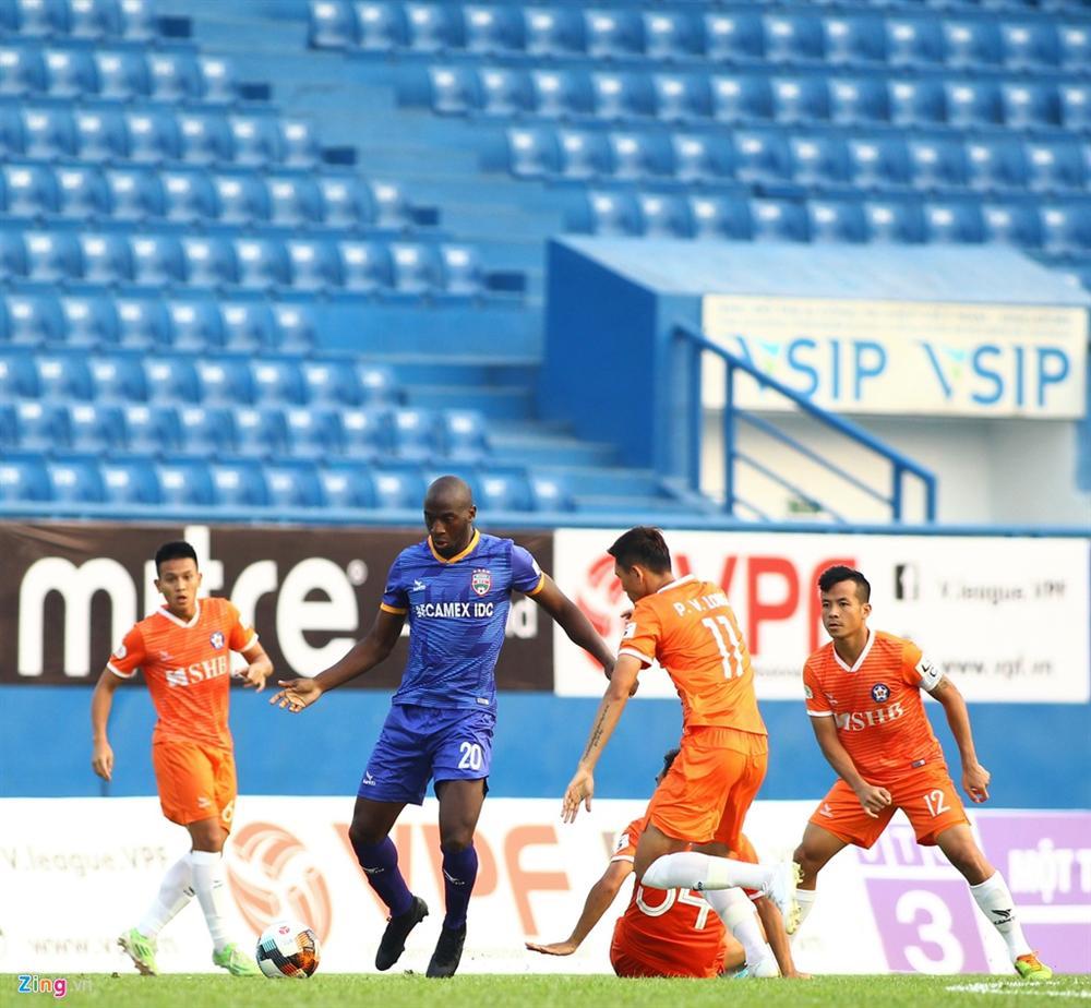 Cầu thủ Việt Nam thay đổi cách giao tiếp trên sân cỏ-1