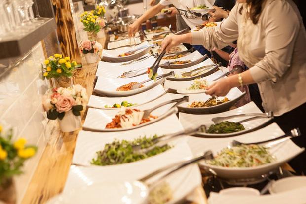 Khách ăn thoải mái vẫn lãi to, mẹo riêng giấu kín của hàng buffet-7