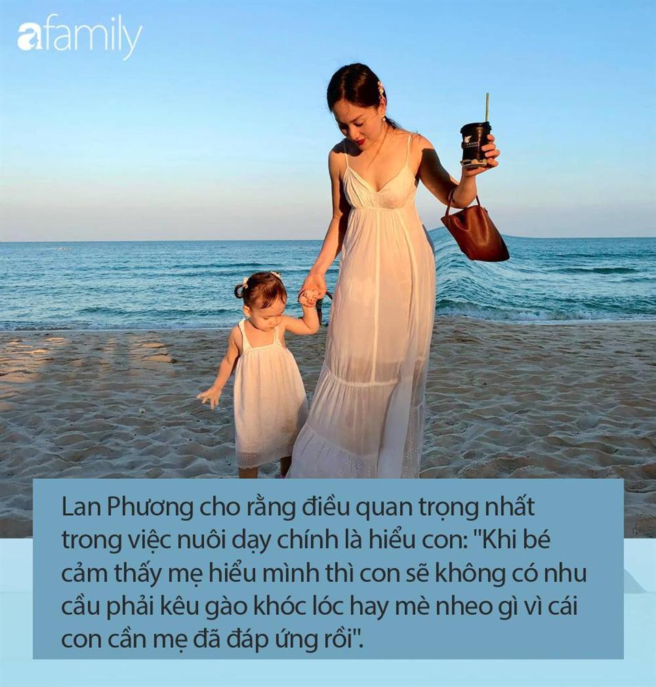 Con gái 21 tháng biết xếp bảng chữ cái, đếm số, đánh đàn, Lan Phương tiết lộ quy tắc dạy con mẹ nào cũng khen ngợi-7
