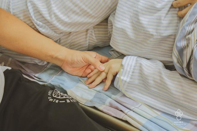 Giọt nước mắt của người đàn ông khi chứng kiến vợ mang thai 37 tuần bỗng phát hiện ung thư máu-4