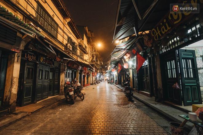 Hưởng ứng lời kêu gọi, hàng loạt hàng quán ở Hà Nội rủ nhau đóng cửa vô thời hạn để chống lại dịch Covid-19-1