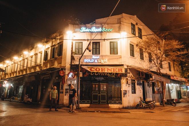 Hưởng ứng lời kêu gọi, hàng loạt hàng quán ở Hà Nội rủ nhau đóng cửa vô thời hạn để chống lại dịch Covid-19-4