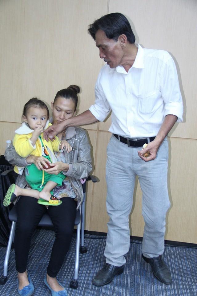Thương Tín U70 lấy vợ kém 32 tuổi, ông hoàng màn ảnh cuối đời chật vật-5