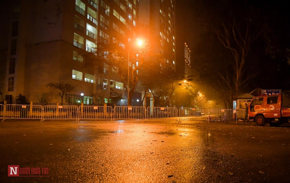 Trắng đêm đón công dân từ vùng dịch vào khu cách ly-1