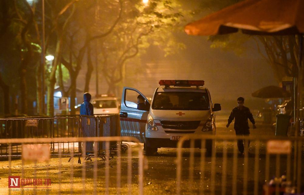Trắng đêm đón công dân từ vùng dịch vào khu cách ly-2