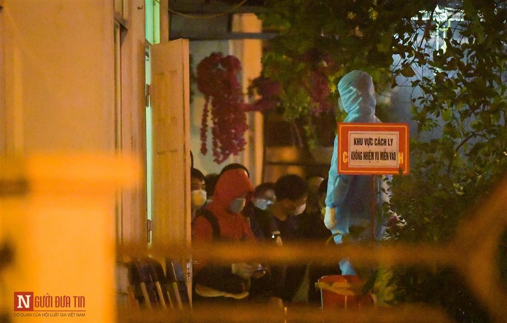 Trắng đêm đón công dân từ vùng dịch vào khu cách ly-5