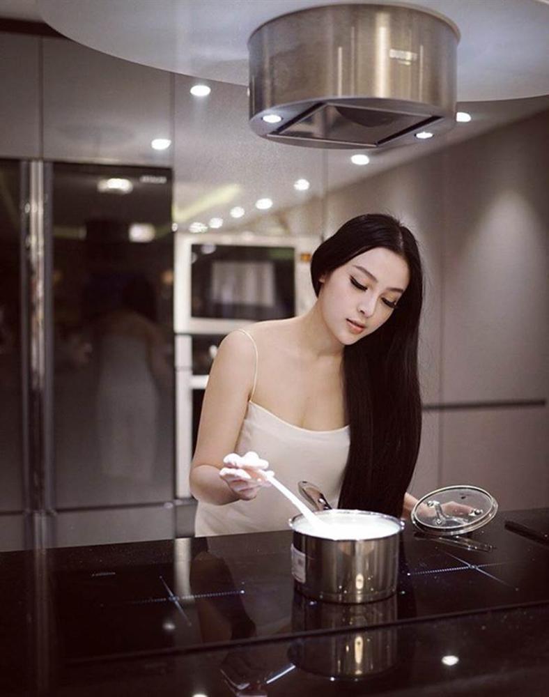 Đệ nhất mỹ nhân Sài Thành có nhà 100 tỷ, vừa được chồng tặng thêm biệt phủ 3,5 triệu đô-7