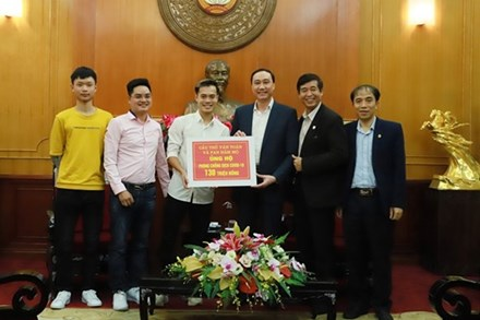 Văn Toàn và fan ủng hộ 150 triệu đồng chống dịch