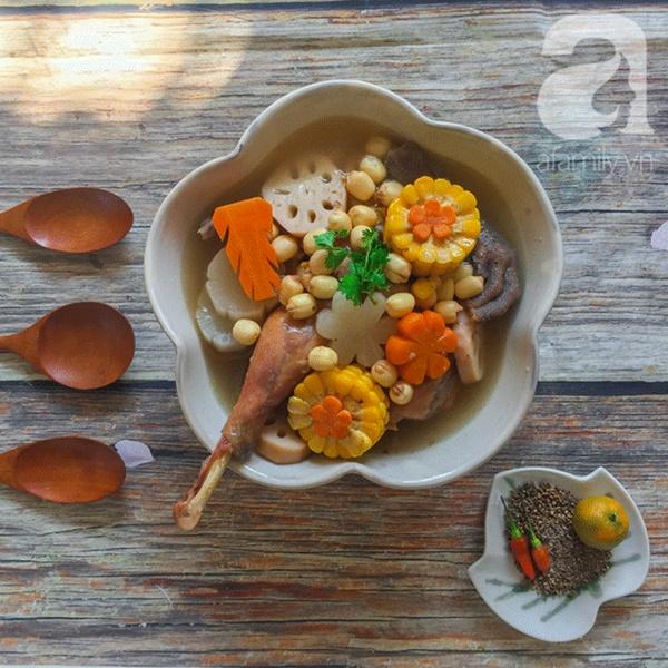 Bồi bổ sức khỏe phòng dịch bệnh với món gà hầm sen ngọt thơm-5