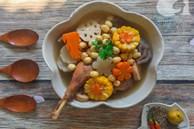 Bồi bổ sức khỏe phòng dịch bệnh với món gà hầm sen ngọt thơm