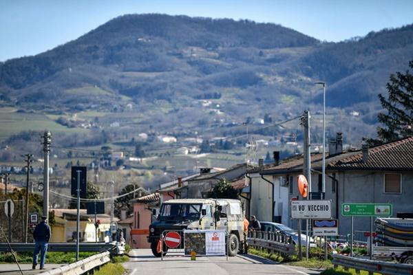 Toàn cảnh nước Ý giữa đại dịch virus corona và bài học cho cả thế giới: Đáng ra, mọi chuyện đã không kinh khủng đến vậy-9