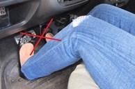 Những sai lầm nghiêm trọng khi chuyển từ lái xe số sàn sang số tự động