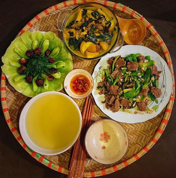 Thực đơn bữa cơm dễ làm, ngon đến miếng cuối cùng cho gia đình 4 người-4