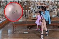 Con gái Tăng Thanh Hà mới 2 tuổi 10 tháng nhưng đã làm một hành động khiến mẹ 'phát khóc'