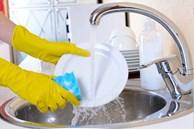 Những sai lầm cực nguy hiểm mà nhiều người vẫn mắc khi rửa bát