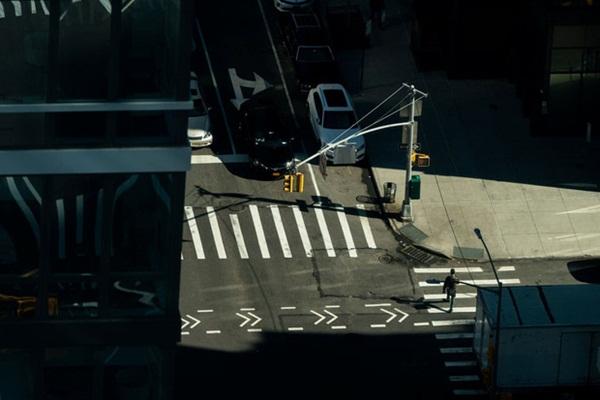 Nước Mỹ vắng vẻ lạ thường giữa đại dịch Covid-19: Những quảng trường, con đường, khu vui chơi nổi tiếng nay không một bóng người-3