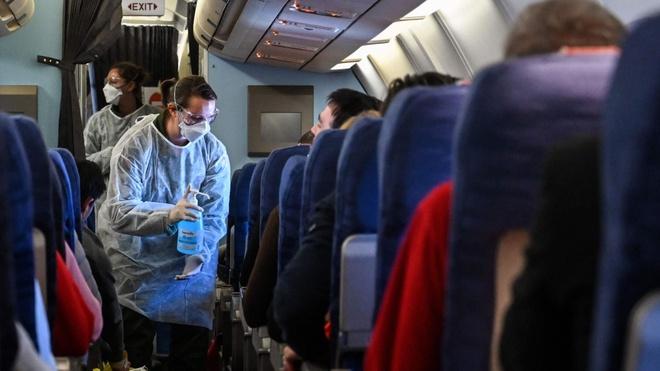 Tiếp viên hàng không: Làm không lương, về thì sợ lây bệnh cho cả nhà-2