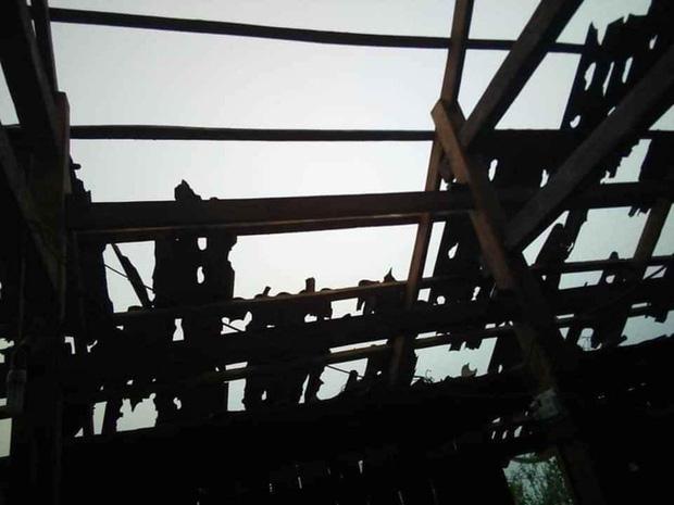 Mưa đá viên to bằng cái bát con làm thủng 500 mái nhà, mận rơi đầy gốc ở Mộc Châu-6