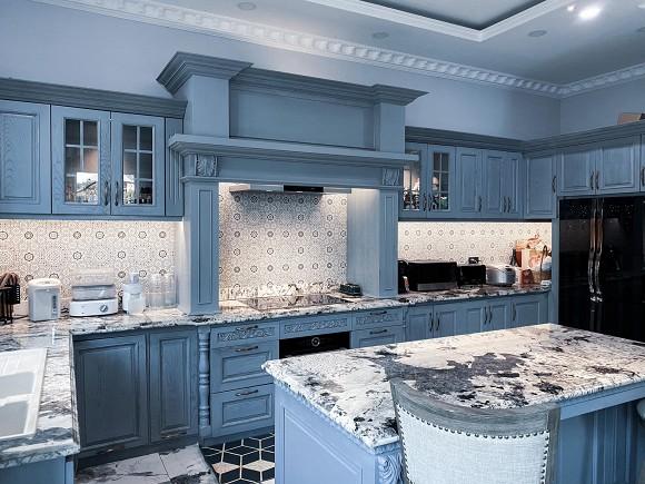 Cận cảnh không gian căn bếp thiết kế theo phong cách tân cổ điển trong biệt thự của gia đình Đăng Khôi-4