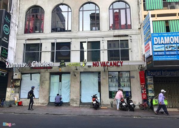Hàng quán ở TP.HCM đồng loạt đóng cửa dù bất ngờ-2