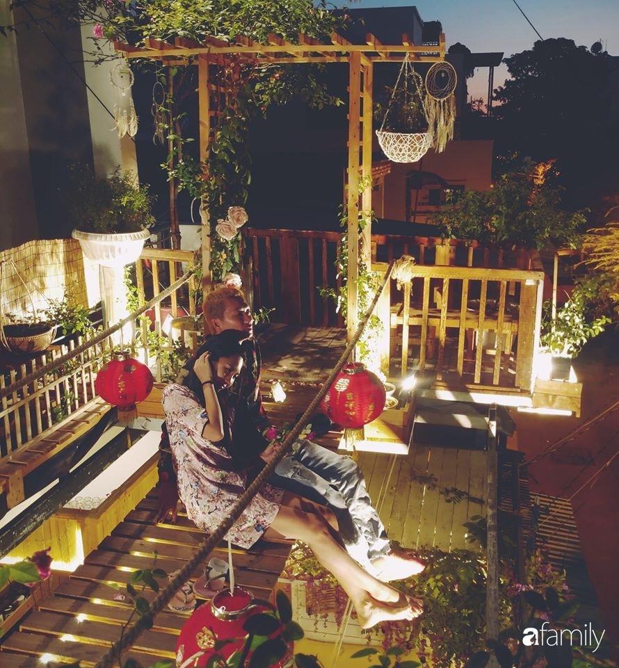 Ngôi nhà đẹp yên bình, lãng mạn nhờ người đàn ông đảm đang tự decor vườn và trồng đủ loại hồng ở Sài Gòn-1