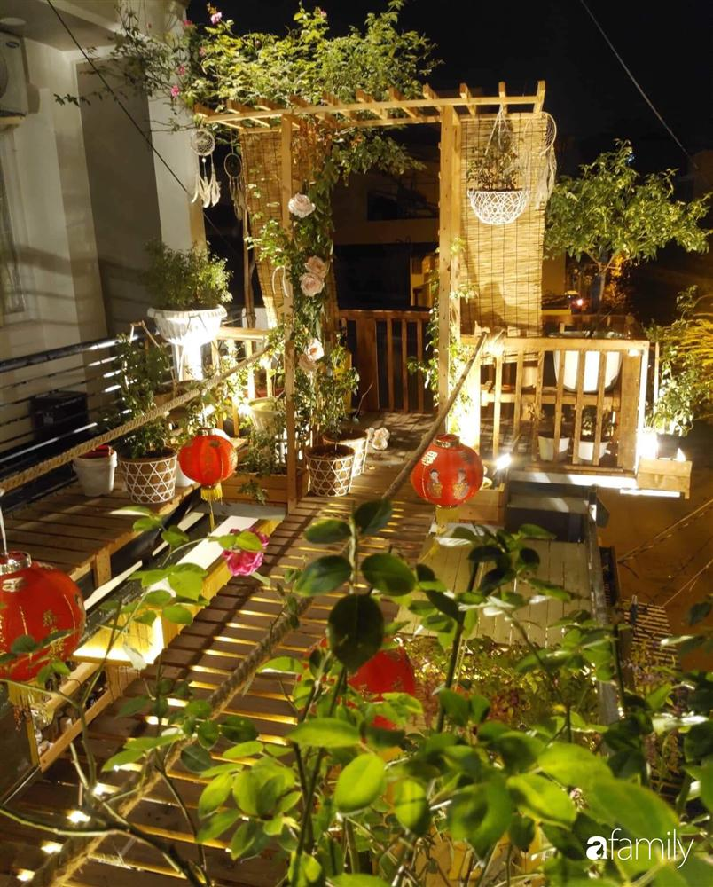 Ngôi nhà đẹp yên bình, lãng mạn nhờ người đàn ông đảm đang tự decor vườn và trồng đủ loại hồng ở Sài Gòn-3