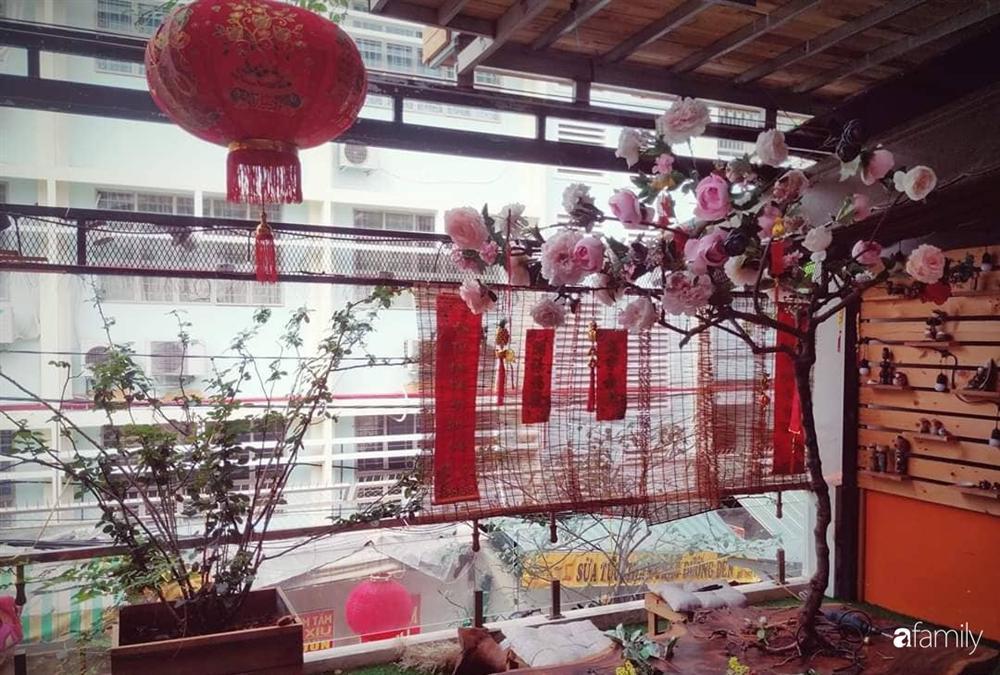 Ngôi nhà đẹp yên bình, lãng mạn nhờ người đàn ông đảm đang tự decor vườn và trồng đủ loại hồng ở Sài Gòn-19