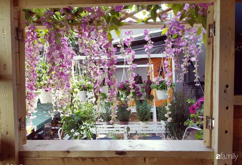 Ngôi nhà đẹp yên bình, lãng mạn nhờ người đàn ông đảm đang tự decor vườn và trồng đủ loại hồng ở Sài Gòn-35