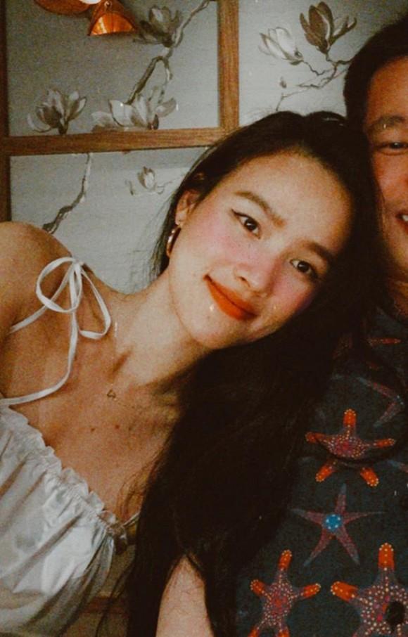Sau hơn 1 tháng công bố ly hôn, người mẫu Tuyết Lan đã đăng ảnh hé lộ gương mặt bạn trai mới-2