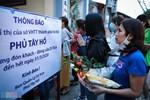 Chủ quán ăn ở Hà Nội nấu hàng trăm suất cơm, chè miễn phí cho những y bác sỹ đang gồng mình chống dịch Covid-19 tại BV bệnh Nhiệt đới TW-14
