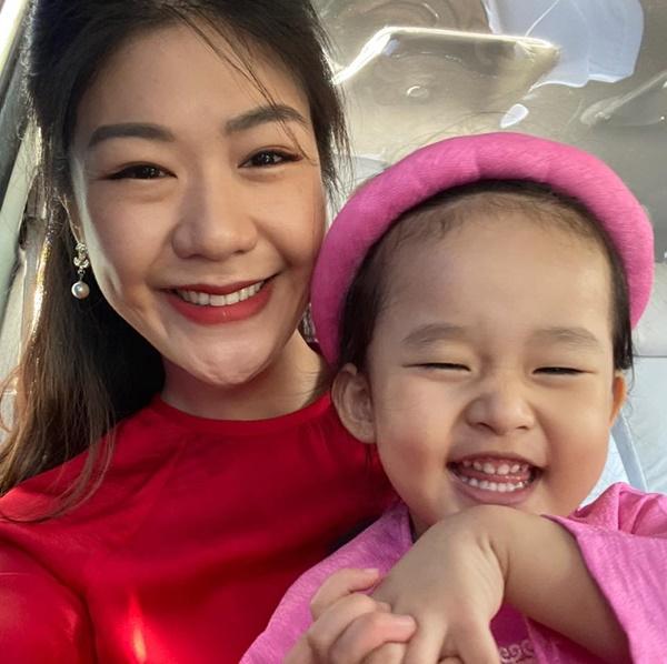 """Lâu lắm chẳng được đi bay, nữ cơ trưởng Huỳnh Lý Đông Phương có chút điên rồ"""" và tiết lộ thường xuyên kiếm chuyện với người khác-4"""