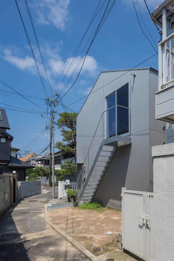 Căn nhà yên vui dưới bóng nắng và cây xanh của gia đình trẻ ở Nhật Bản-7