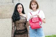 Phượng Chanel khoe ảnh 'chị chị em em' với Ngọc Trinh nhưng ai cũng chú ý tới khuôn mặt béo tròn của 'Nữ hoàng nội y'