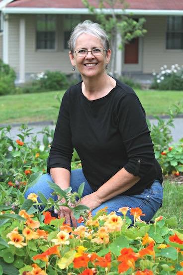 Khu vườn đủ loại rau quả đẹp như tranh của người phụ nữ trồng trọt từ năm 16 tuổi đến 63 tuổi-4