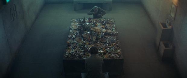 5 chi tiết hack não ở phim kinh dị hot nhất hiện tại The Platform: Ý nghĩa hố sâu 333 tầng chưa bất ngờ bằng tên của các tù nhân-2