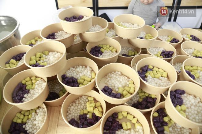 Chủ quán ăn ở Hà Nội nấu hàng trăm suất cơm, chè miễn phí cho những y bác sỹ đang gồng mình chống dịch Covid-19 tại BV bệnh Nhiệt đới TW-10