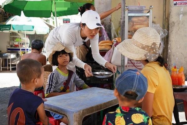 Hoa hậu HHen Niê dành một ngày ăn bánh mì khắp Sài Gòn và lý do xúc động phía sau-3