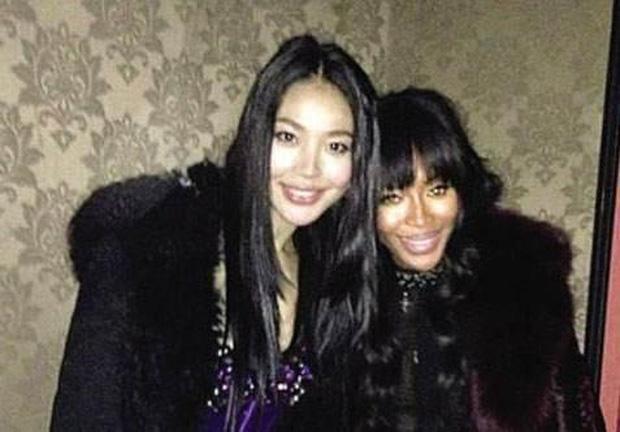 Tiểu tam nức tiếng Trung Quốc: Trắng trợn giật bồ ân sư Naomi Campell, trả giá bằng sự nghiệp Hoa hậu lụi tàn-4
