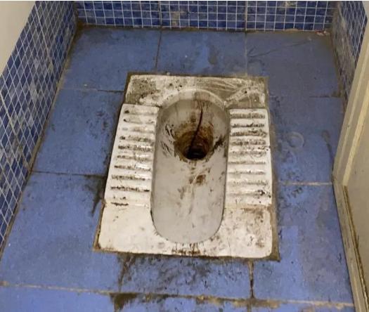 Chê khu cách ly Covid-19 quá mất vệ sinh, cáu bẩn và thiếu nước sạch, nhiều người ở Ấn Độ bỏ trốn về nhà-2