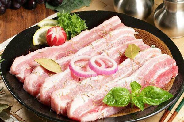 Sườn, thịt lợn có những dấu hiệu này chớ có ăn kẻo ân hận cũng muộn-1
