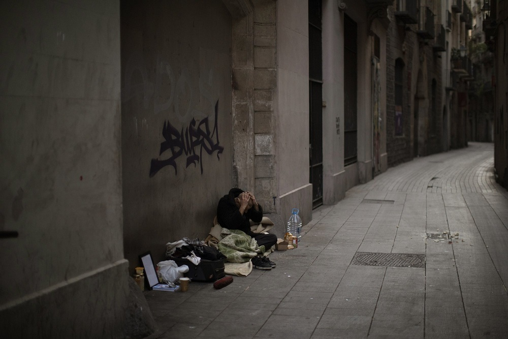 Tình cảnh của người vô gia cư khi TBN oằn mình chống dịch Covid-19-1