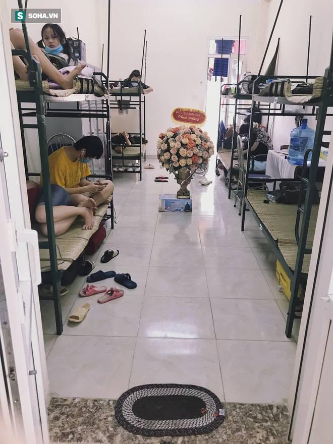 Đang ở phòng cách ly tập trung, nữ du học sinh được gọi ra ngoài và diễn biến bất ngờ sau đó-4