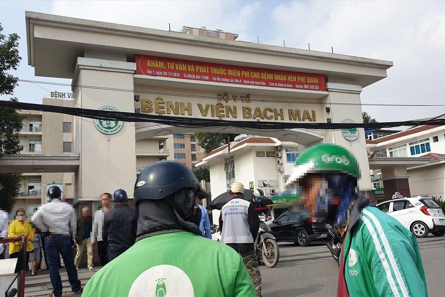 Người dân đã đến bệnh viện Bạch Mai trong vòng 14 ngày qua phải tự cách ly-1