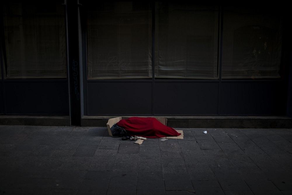 Tình cảnh của người vô gia cư khi TBN oằn mình chống dịch Covid-19-5