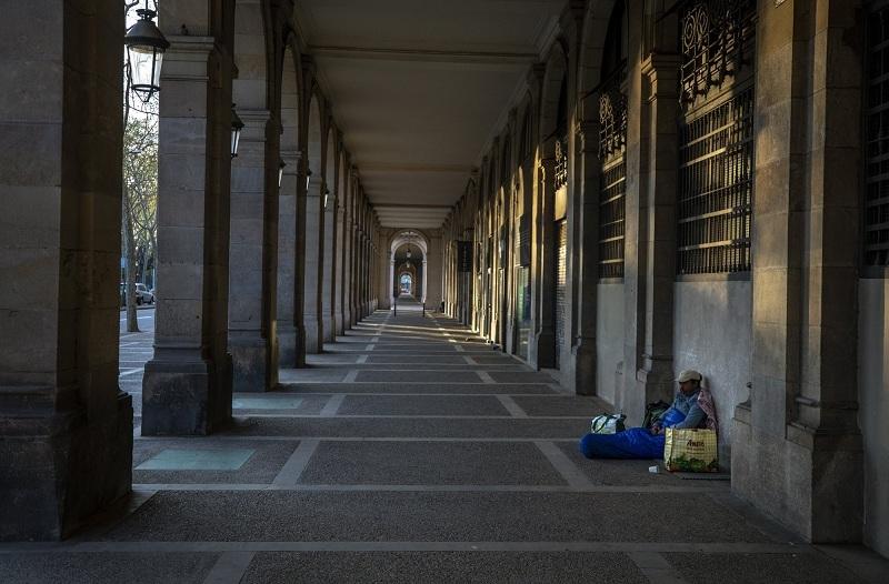 Tình cảnh của người vô gia cư khi TBN oằn mình chống dịch Covid-19-7