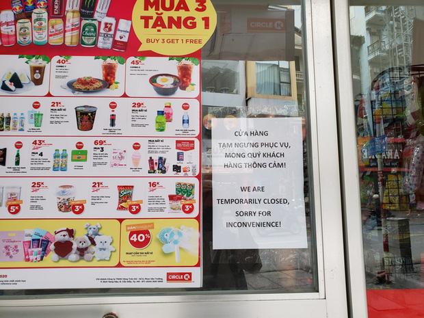 Circle K Chùa Láng - nơi có khách nhiễm Covid-19 ngồi 4 tiếng để mua sắm vẫn mở cửa-1