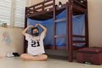 Nhật kí cách ly của cô gái trẻ: Nếu bạn đối xử với nơi cách ly như là nhà, nơi đó sẽ trở thành nhà