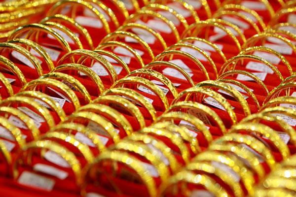 Giá vàng hôm nay 27/3, triệu người thất nghiệp, tìm ẩn náu ở vàng - giá vàng hôm nay