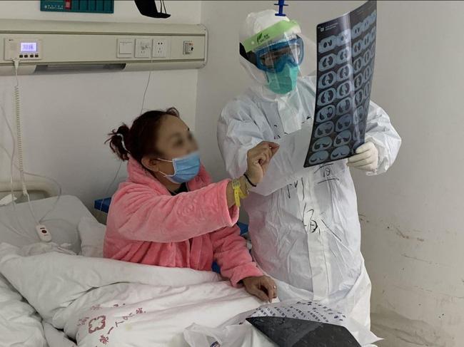 Chuyên gia bác tin đồn Nín thở trong 10 giây giúp kiểm tra bản thân có nhiễm Covid-19 hay không-2
