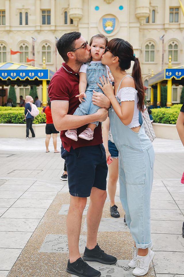 Khoe ảnh Myla vui chơi ở nhà vô cùng đáng yêu, nhưng siêu mẫu Hà Anh khẳng định ngầm chân lý nuôi dạy con gái qua 1 chi tiết-6